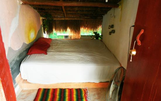 Xaman Eco-hostel : Habitación Doble Palapa Roof
