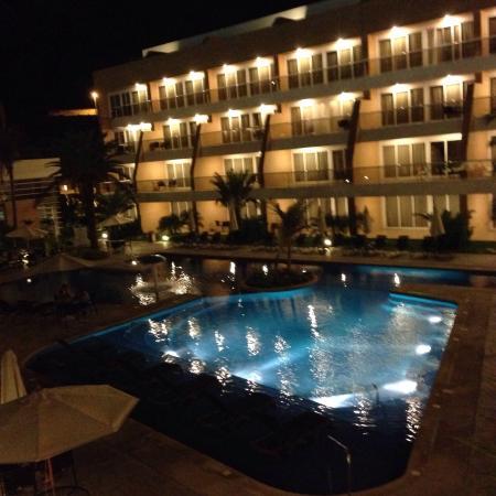 Margarita Real Boutique Hotel: Vista nocturna