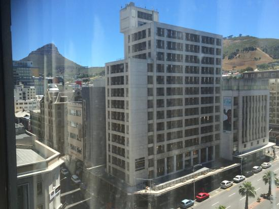 Strand Tower Hotel : View of Lion's Head from my room