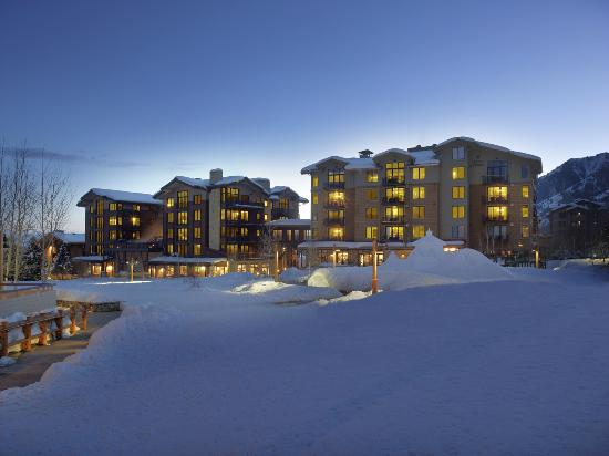 Hotel Terra Jackson Hole, A Noble House Resort: view at night