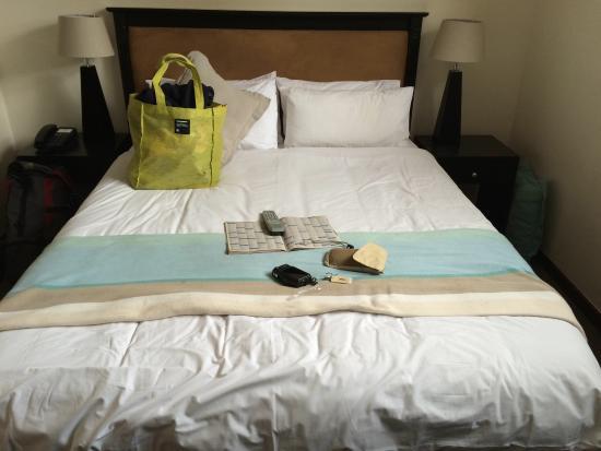 Cape Diamond Hotel: Dit is het. Er zit verder geen verborgen ruimte in deze kamer. Het bed past er net in!