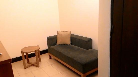 Hotel Santika Bandung : Livingroom. Room#247