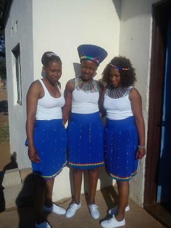 Polokwane, Sudáfrica: Our beautiful staff in traditional dress