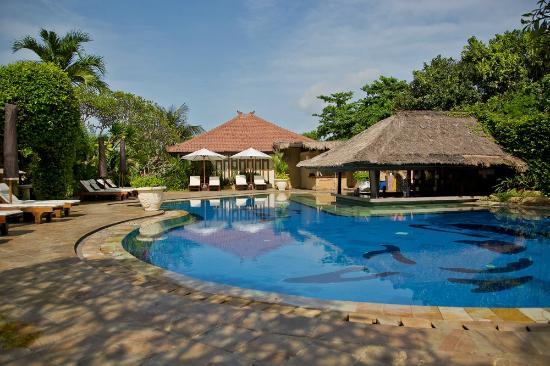 COOEE Bali Reef Resort: Az úszómedence
