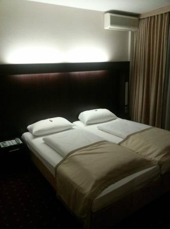 Leonardo Hotel Frankfurt-Airport: Bett war sehr bequem, konnte gut schlafen