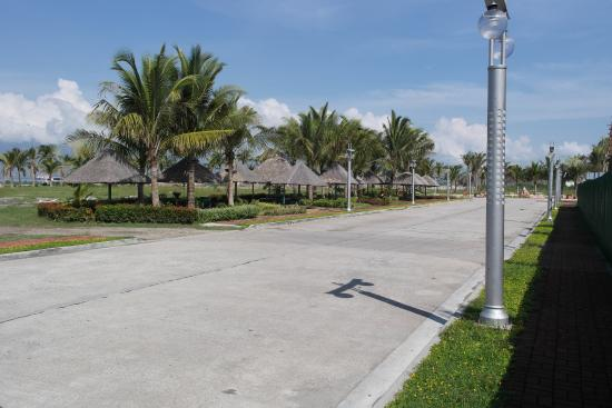 Moonbay Marina Leisure Resort: Newly Developed Street