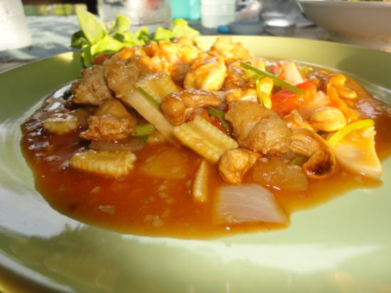 Hen Chef : Chicken Cashew Bliss
