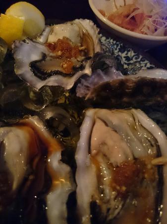Tanuki Sushi & Sake Bar: 牡蠣は最高��⤴⤴