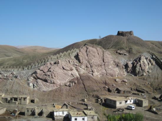 Hosap Castle (Hosap Kalesi): View from castle over village