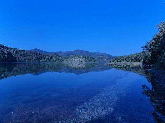 Satsumasendai, اليابان: 長目の浜 なまこ池