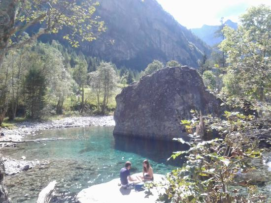 https://media-cdn.tripadvisor.com/media/photo-s/06/f6/fd/84/riserva-naturale-val.jpg
