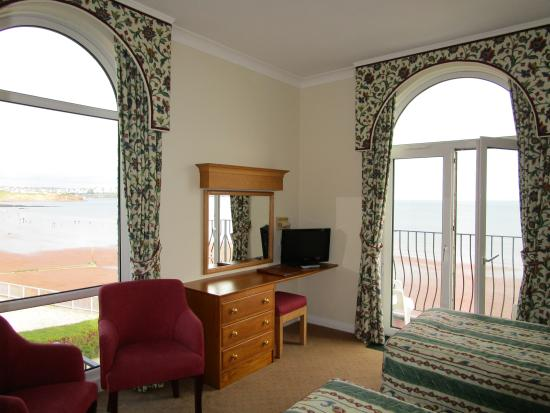 Redcliffe Lodge Hotel : Twin aspect room