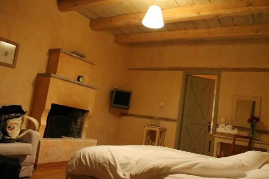 Astra Traditional Inn: Δωμάτιο