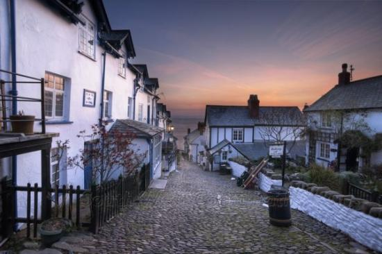 Clovelly, UK: getlstd_property_photo