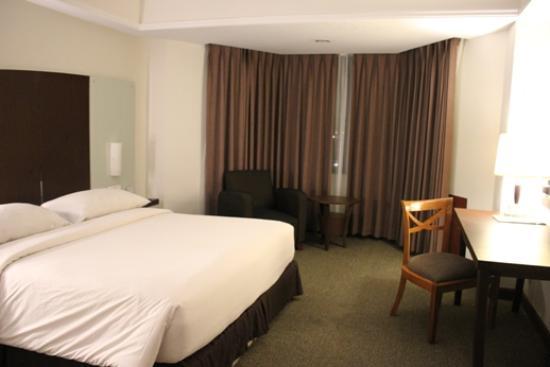 Hotel Pangeran : bed room