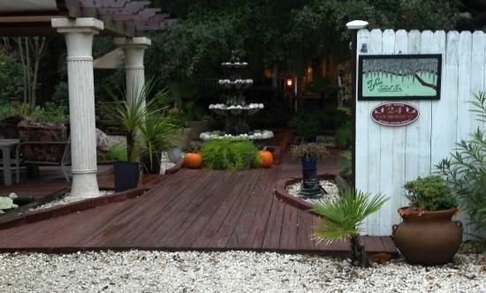 Tybee Island Inn : entrance to serenity
