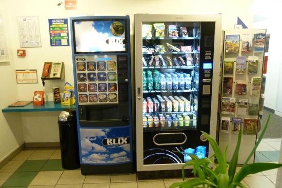Ibis Budget Rouen Petit Quevilly : Distributeur de boissons