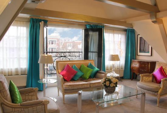 Ambassade Hotel : Senior Suite