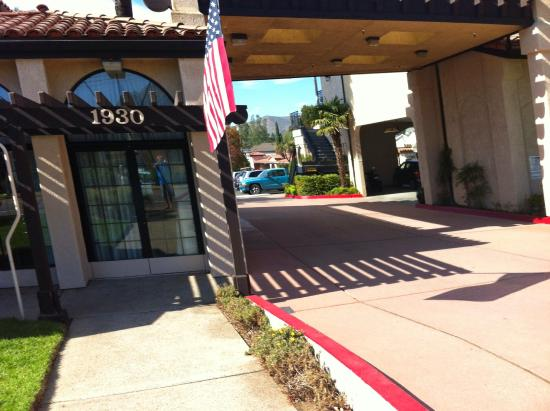 Sands Inn & Suites: Entrada para o hotel