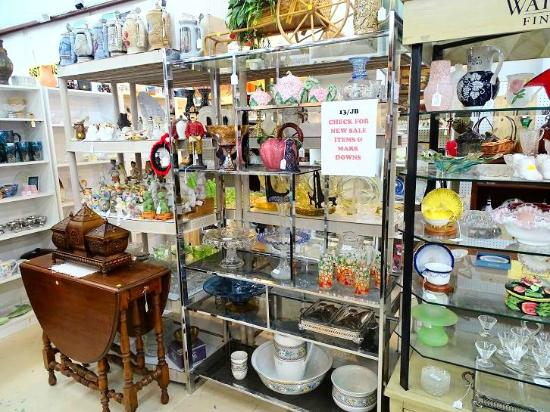 ‪New Berne Antiques and Collectibles‬