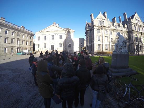Viking Free Tour Dublin : Trinity College Dublin