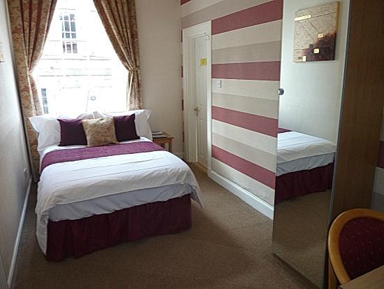 The Broughton Hotel: Single  en-suite room