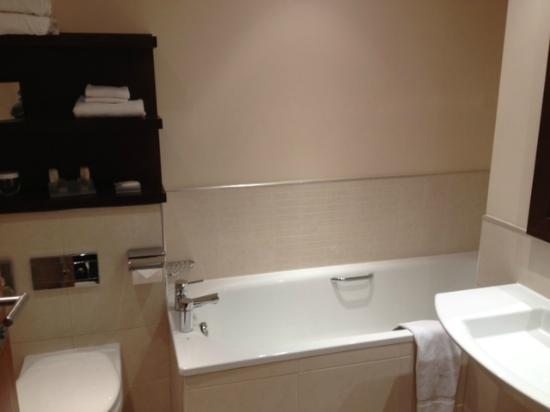 Bathroom Picture of Hilton Garden Inn Aberdeen City Centre