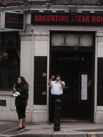 Argentine Steakhouse El Toro: Very poor service