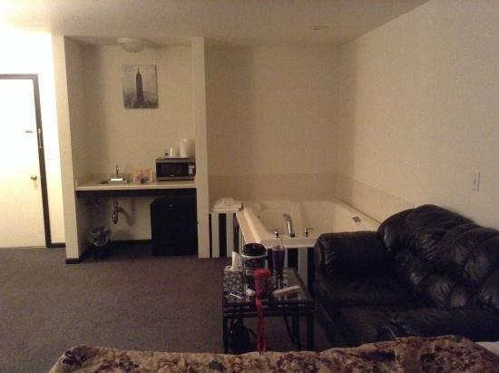 Alaskan Inn & Suites: suite