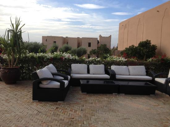 un g teau original p te d 39 amande et babanes photo de marrakech ryads parc spa marrakech. Black Bedroom Furniture Sets. Home Design Ideas