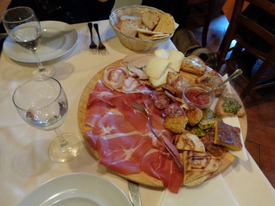 Osteria Belvedere: antipasto!