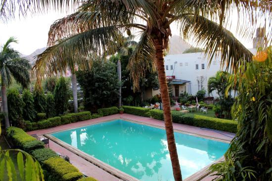 Navratan Palace : piscine vue de la chambre