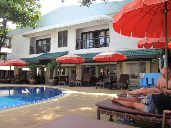 patong bay garden hotel reviews. patong bay garden resort: de la chaise longue hotel reviews l