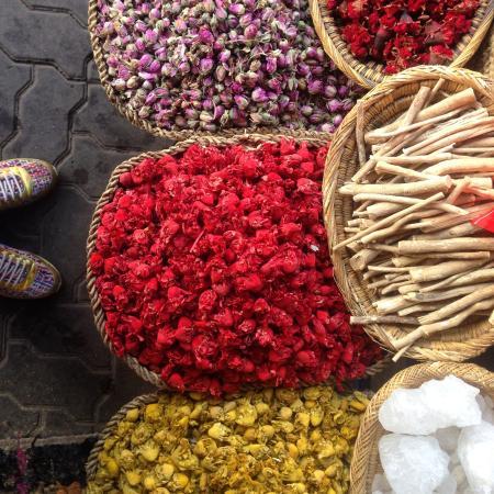 Riad Joya: local market