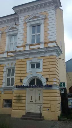Breclav, Republik Ceko: Eingang zum Museum und der Touristen-Information