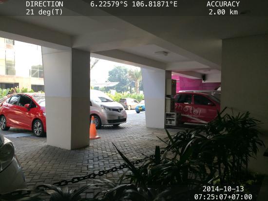 Favehotel Gatot Subroto Parking Lot