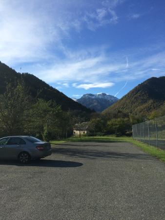 Domaine de Ramonjuan: Parking à côté du court de tennis