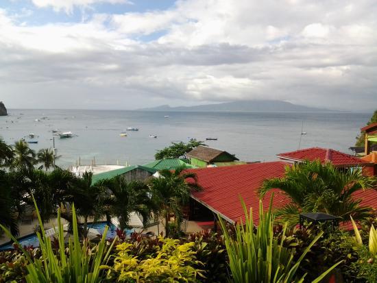 Oriental Sabang Hill Resort : Vue sur l'Ile verte depuis cahmbre N°8