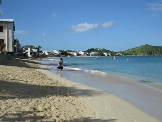 LOVE: Walk on the beach