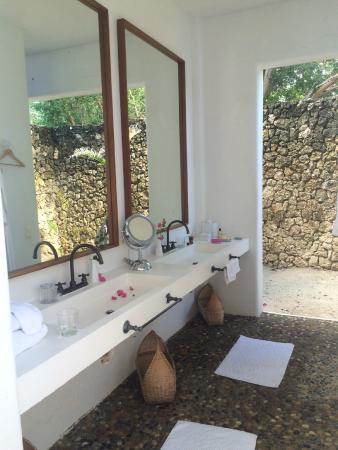 Agua Bed & Breakfast - Baru Island: Baño Casita 01