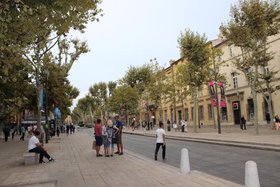 Tribunal de comercio cours mirabeau picture of aix en for Aix en provence cours de cuisine