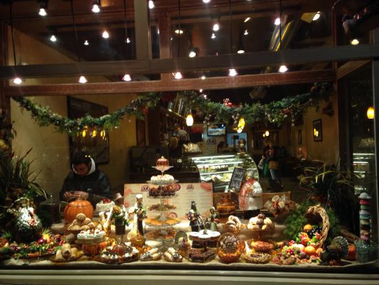 Cafe Carmel: Vitrine café Carmel