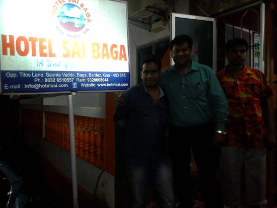 Hotel Sai Sundari: sai staff and mnager.