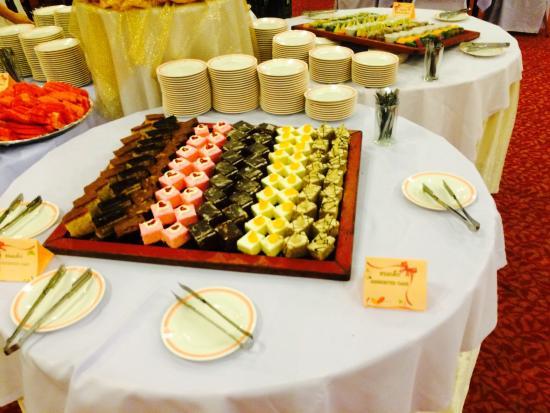 Thong Tarin Hotel: มุมขนมเค้ก