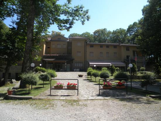 """Piancastagnaio, Italie : L'Hotel Piccolo Mondo nella sua veste """"estiva"""""""