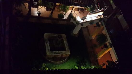 Hotel Puente Viejo: Visto desde una habitacion.