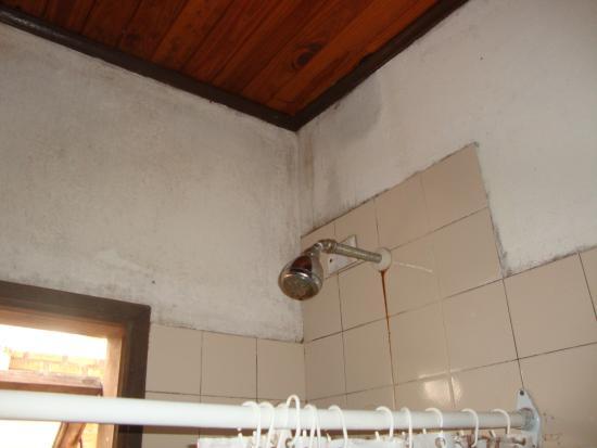 El Guembe Hostel House: bathroom