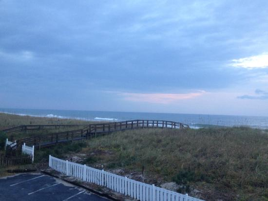 Surfside Lodge Oceanfront: View from our oceanfront room. Nov 2014