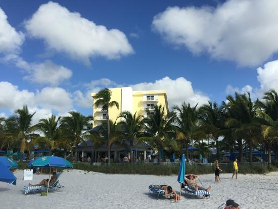 Naples Beach Hotel and Golf Club : View from Beach
