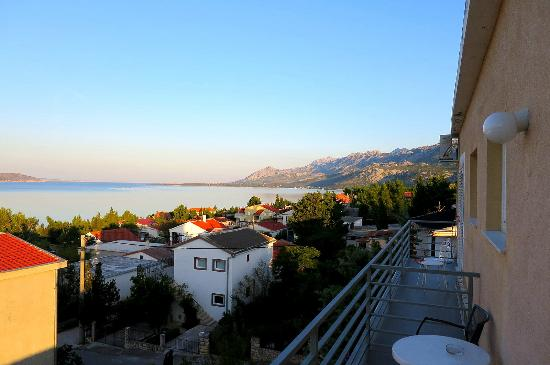 Apartments Dora: View from Balcony of Paklenica Park Area